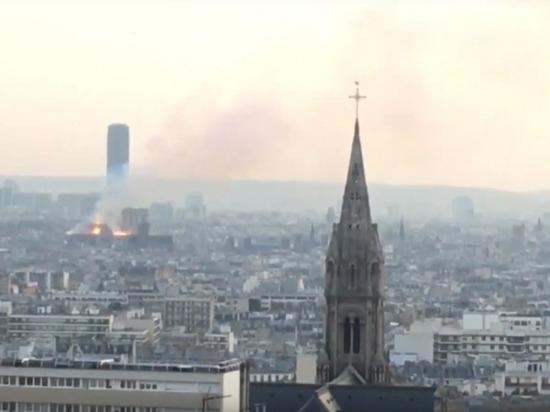 Пожар не затронул реликвии собора Парижской Богоматери