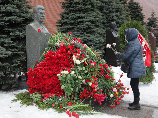 Социологи назвали рекордной положительную оценку роли Сталина