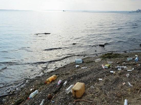 Прокуратура обнаружила на волжских берегах незаконные свалки мусора