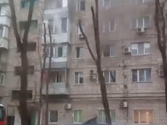 В девятиэтажке в Волгограде на пожаре пострадал человек