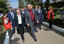 Председатель Госдумы РФ работает в своём округе
