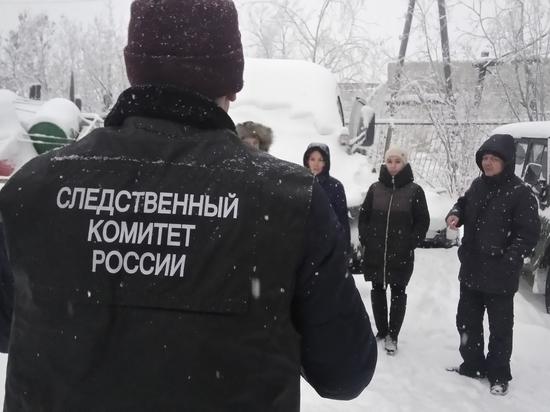 На Ямале подросток напал на водителя снегоболотохода с ножом и топором