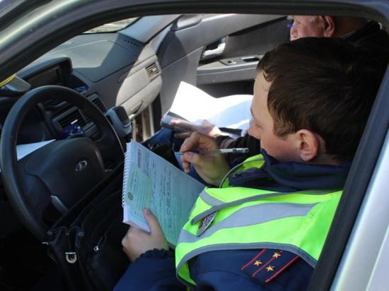 В Саранске за сутки оштрафовали 26 водителей-болтунов