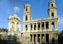 Пока мало кто об этом вспомнил, но пожару, который изуродовал собор Парижской богоматери, предшествовала цепь странных и даже жутких событий