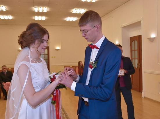 ЗАГСы Хабаровского края готовятся к свадебному буму