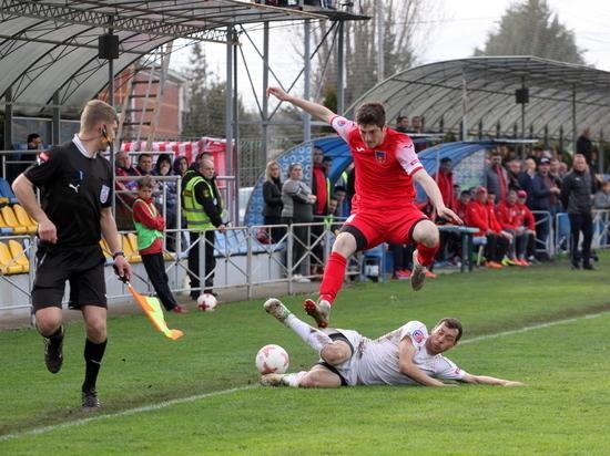 Премьер-лига КФС: результативный футбол и обострение борьбы за чемпионство