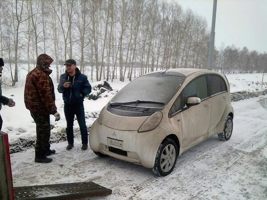 Владелец первого японского электрокара в Барнауле поделился своими наблюдениями