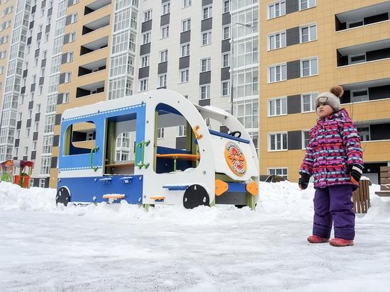 Петербургские депутаты выступили за реновацию жилья по всей России