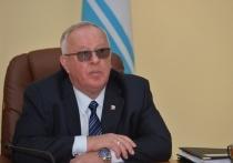 Жители Алтая просят Федеральный финмониторинг проверить источники доходов тещи и сына экс-главы Республики