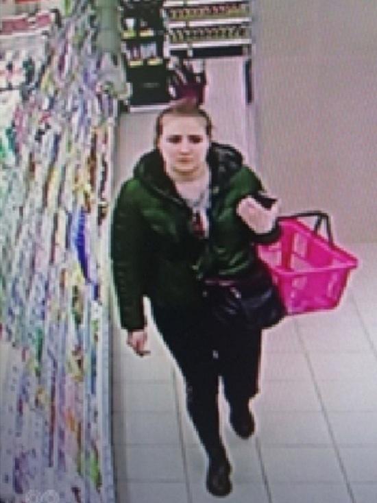 Кировская полиция ищет трех воровок косметики