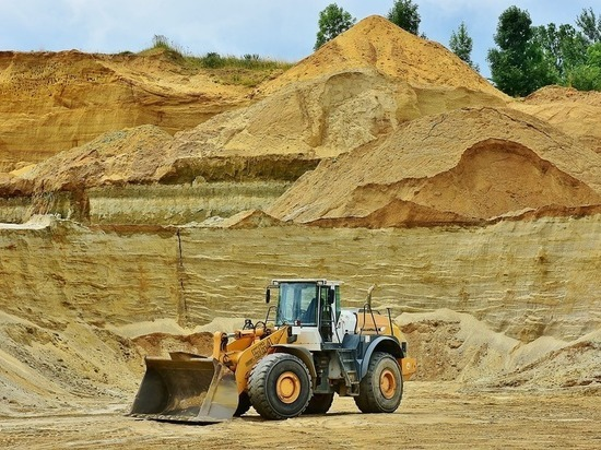 Богатство Тюменской области —  это пески, глины, торф и нефть