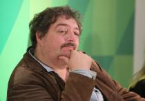 Писатель Дмитрий Быков в коме после экстренной госпитализации