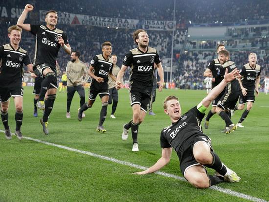 Романтичный подвиг «Аякса»: голландцы разбили очередного гранда в Лиге чемпионов