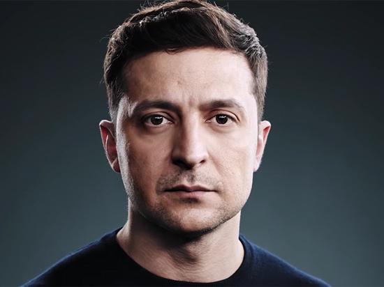 """Зеленский распространял билеты на дебаты в Интернете и """"обрушил"""" сайт"""
