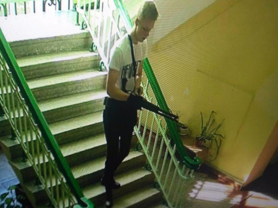"""Юный поклонник фильма """"Брат"""" угрожал расстрелять одноклассников"""