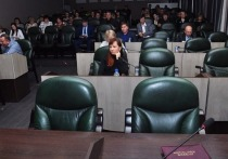 Два бийских депутата сложили полномочия