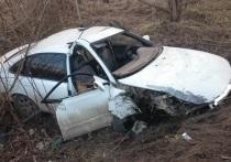 В Рязани пьяный водитель на иномарке влетел в столб: трое в больнице