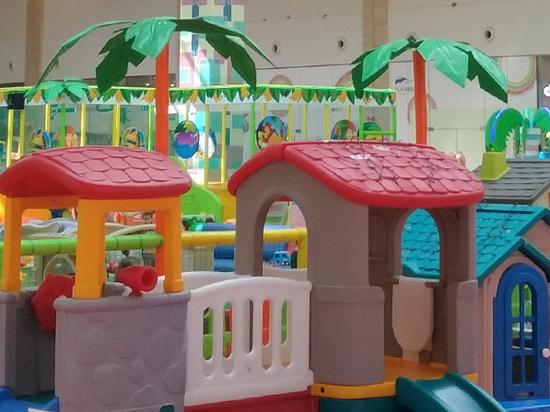 Двухлетняя девочка разбила голову в игровом центре в Москве