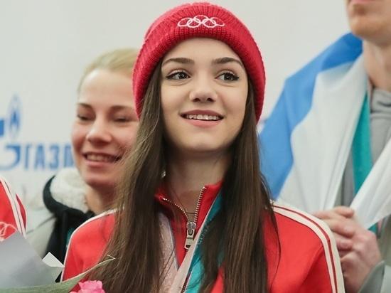 """""""Что за порно?"""": Евгения Медведева потрясла фанатов снимком в латексе"""
