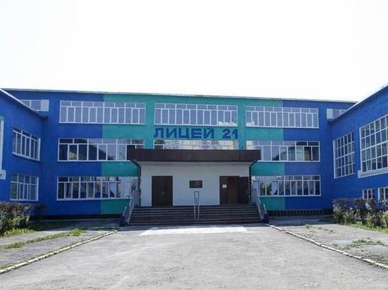 Школьницу из Первоуральска, упавшую с крыши, перевезут в Екатеринбург