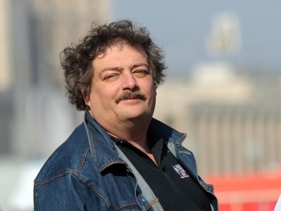 Врачи заявили о возможности перевода Дмитрия Быкова в Москву