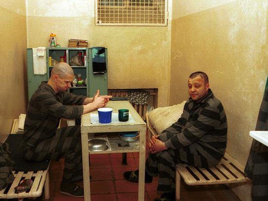 Верховный суд позволил правозащитникам посещать заключенных с одним условием