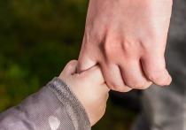 Следователь из Москвы усыновила мальчика, проданного биологической матерью
