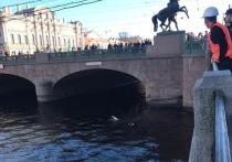 Шесть человек пострадали в ДТП на углу Невского и Фонтанки