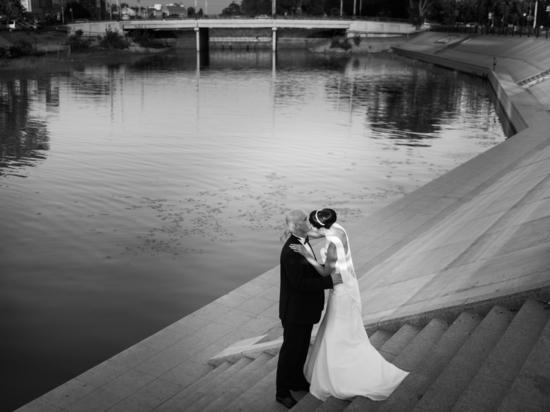 Дефиле, выставки и дискотека: «Свадебный Open Air» от астраханского ЗАГСа