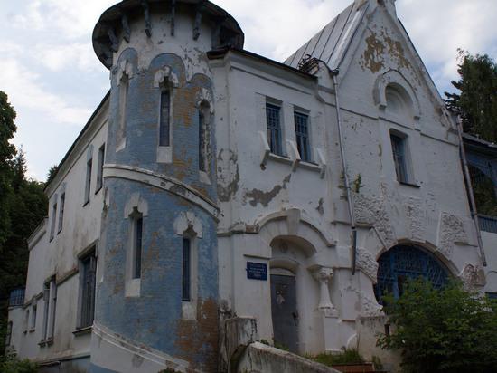 Туда и обратно с Евгением Журавлевым: сказка за старыми елями