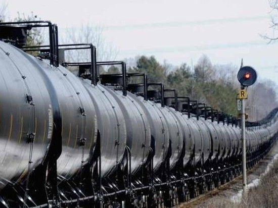 Пушков посоветовал испугавшейся коллапса Украине закупать нефть на Западе