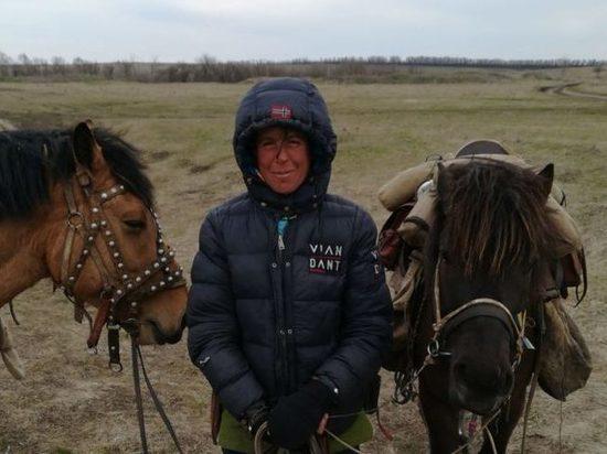 Итальянка, везущая из Монголии в Польшу стрелу мира, сделает остановку в Пскове