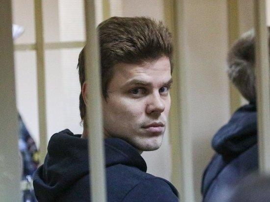 Кокорин в суде устроил допрос директору кафе, обнаружив амнезию