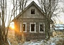 Более 40 домов в полуразрушенной Усть-Ималке пустовали