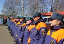 Ярославских спасателей перед навигацией освятили