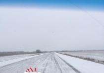 Трассы Алтайского края заметает снегом