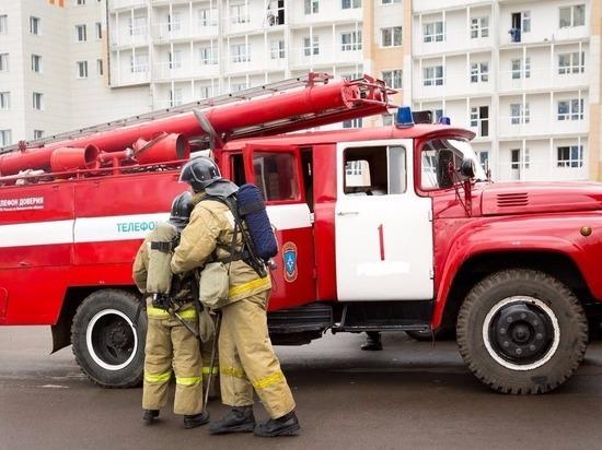 В Калининграде на улице Театральной загорелась квартира