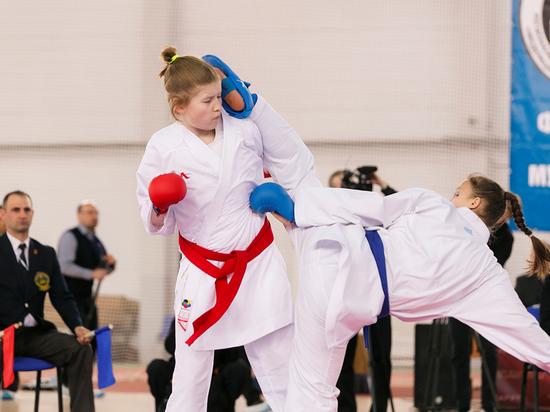 В Мурманске состоялось открытие соревнований по каратэ среди глухих