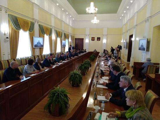 Андрей Чибис провёл встречу с главврачами медучреждений
