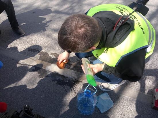 Дорожная инспекция ОНФ пересчитала и измерила ямы крымской столицы