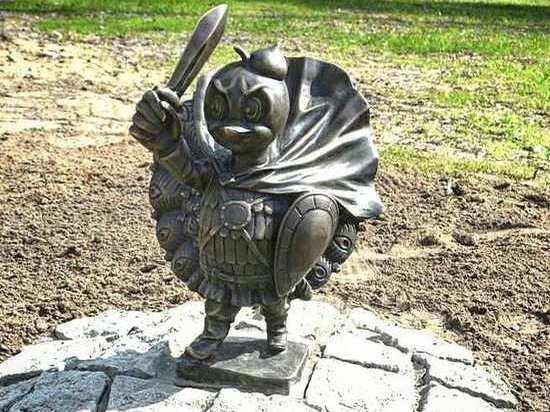 В Серпухове можно загадать желание возле скульптуры павлиненка - защитника