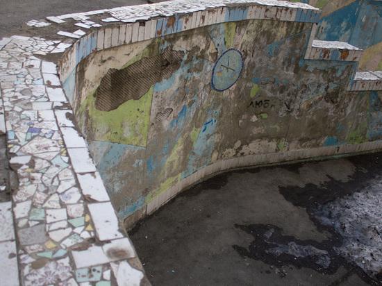 Мэрия Барнаула ответила жильцам многоэтажки, возмутившимся состоянием своего двора