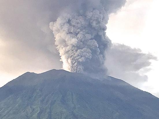 На Бали извергается вулкан Агунг: чем уникальна священная гора