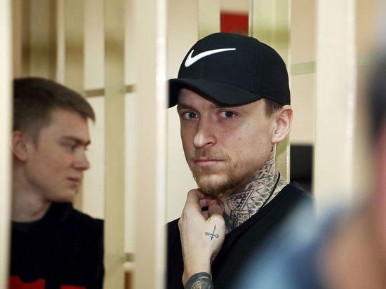 """Свидетель драки Кокорина и Мамаева в кафе: """"Столы, стулья начали двигаться"""""""