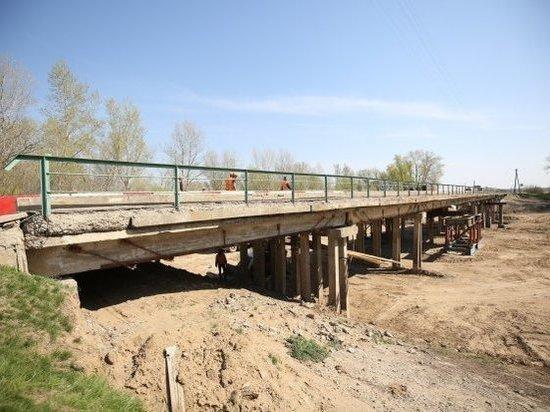 В Волгоградской области ремонтируют мост через ерик Бугроватый