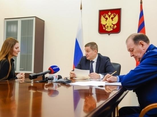 Волгоградцы пришли на личный прием к губернатору Андрею Бочарову