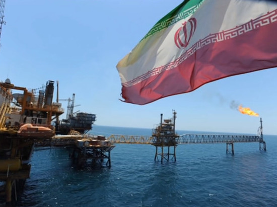 Washington Post: США планируют полностью перекрыть экспорт иранской нефти