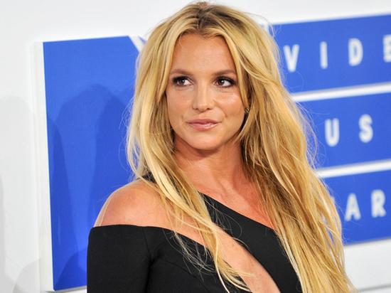 Бритни Спирс ужаснула фанатов своим внешним видом после психлечебницы