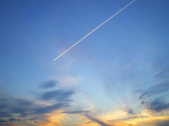 В небе над Псковом поднялись перехватчики, чтобы остановить самолет из Твери