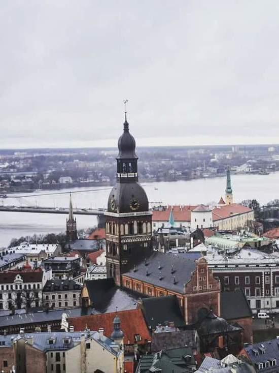 Перевод русских школ на латышский язык признан конституционным